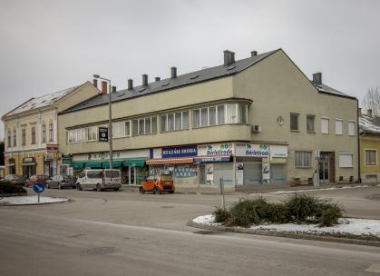 Lakó- és üzletház / Fotó: Vékony Zsolt