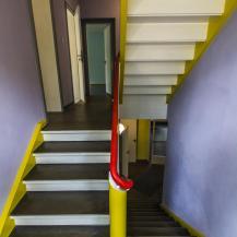 Az egyik színes mesterház lépcsőháza / Fotó: Vékony Zsolt