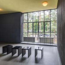 Radiátorok az egyik műterem ablakában / Fotó: Vékony Zsolt