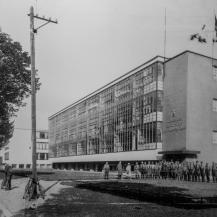 A Bauhaus épülete a náci hatalomátvételt követően / Repró: Vékony Zsolt