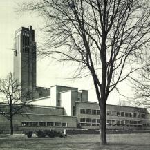 A hilversumi városháza / Kép forrása: Magyar Művészet