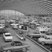 Autóipari kiállítás az Európa-csarnokban 1961-ben / Kép forrása: